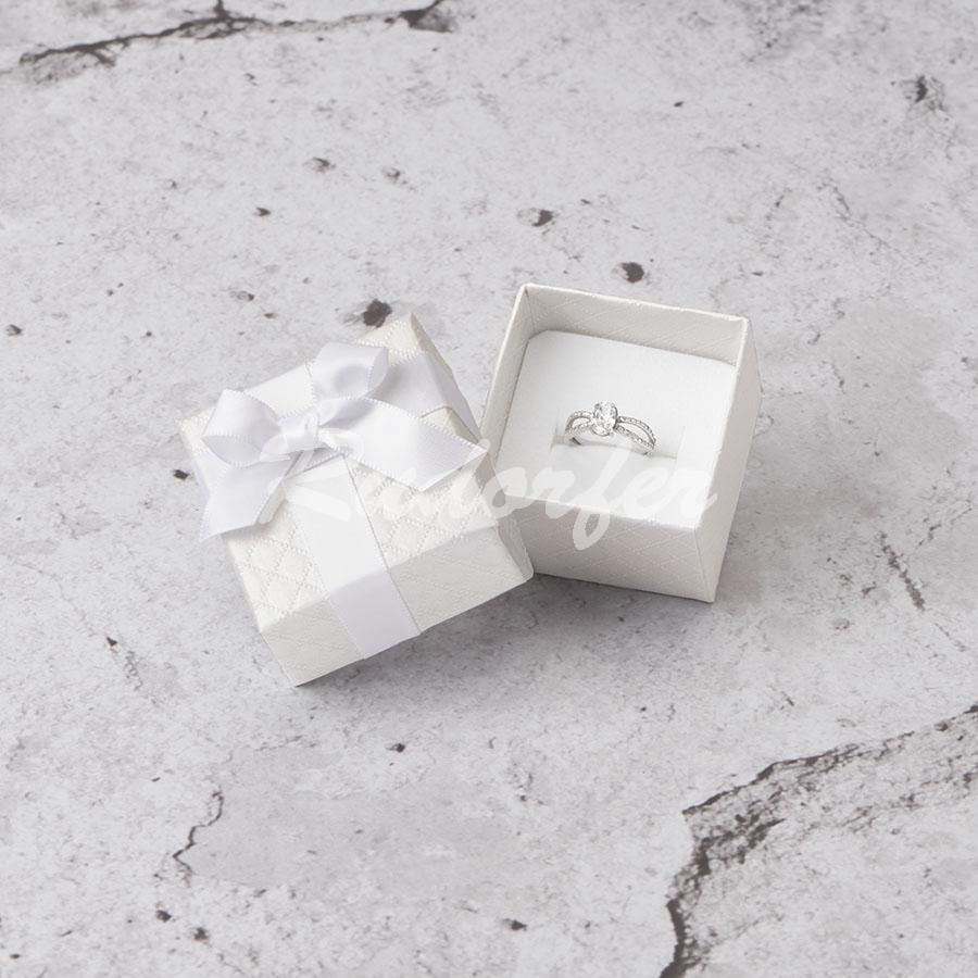 Cutie pentru inel din carton DREAM pe alb