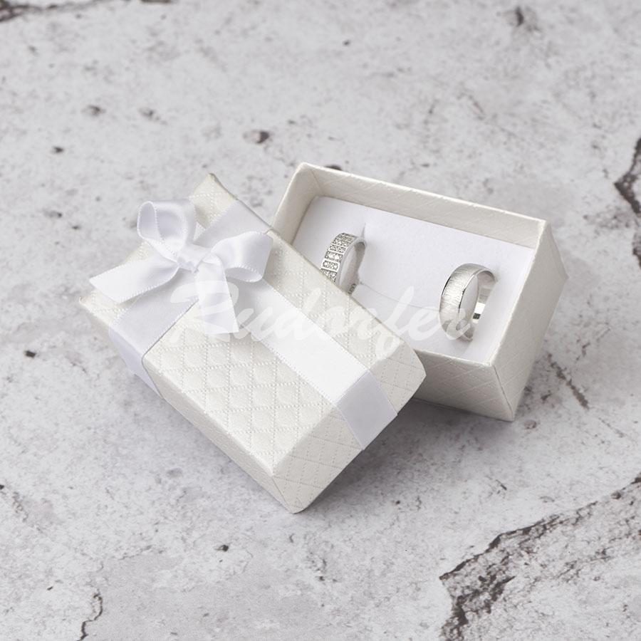 Cutie pentru verighete din carton DREAM pe alb