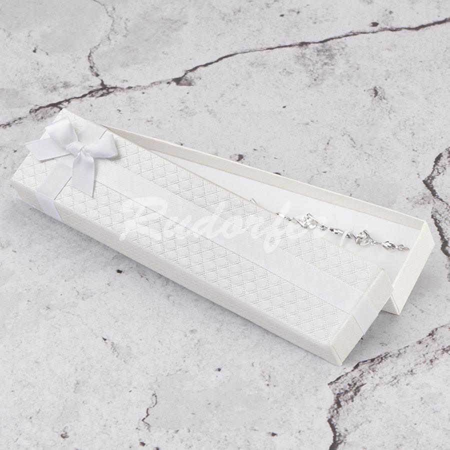 Cutie pentru bratara din carton DREAM pe alb