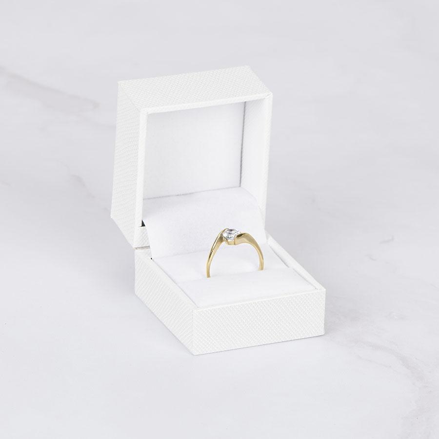 Cutie pt inel SOLAR pe alb